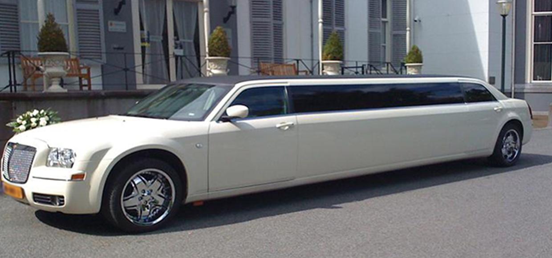 romantic cars chrysler 300c limousine. Black Bedroom Furniture Sets. Home Design Ideas